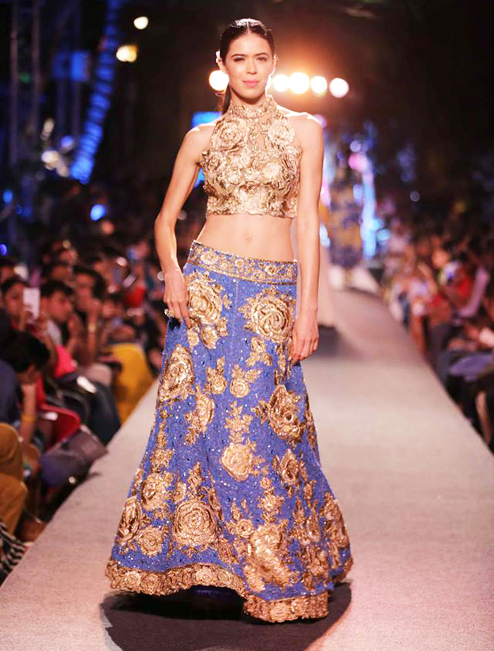 Manish-Malhotra-Wedding-Bridal-Dresses-03