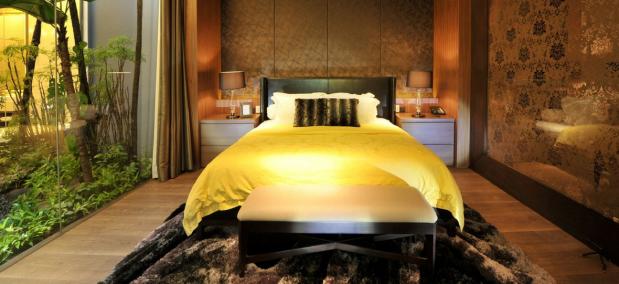 Warren-Liu-Yaw-Yin-bedroom-decor-design-mansionly (1)