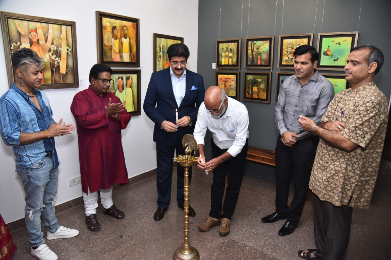 Artist Niladri Paul, Art Curator Praveen Upadhye, Dr. Sandeep Marwah, Chancellor, AAFT University of Media and Art, Artist Mohan Naik, Saurabh Singhvi Director, Art Magmun & Mr. Manoj Nayak