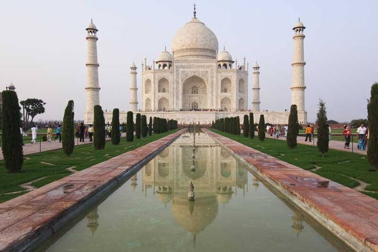 The heavenly place Taj Mahal